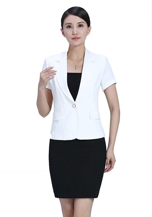 春季定做女士工作服着装需要注意的事项
